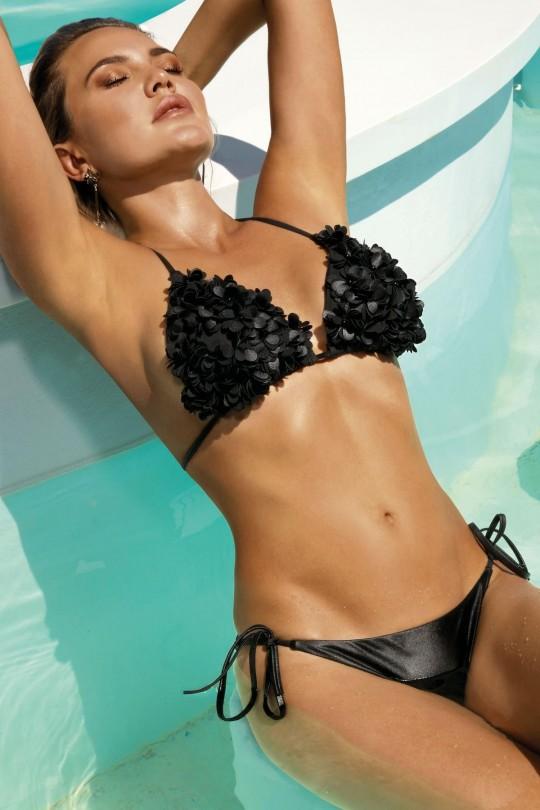 Juodas seksualus maudymosi kostiumėlis (371)